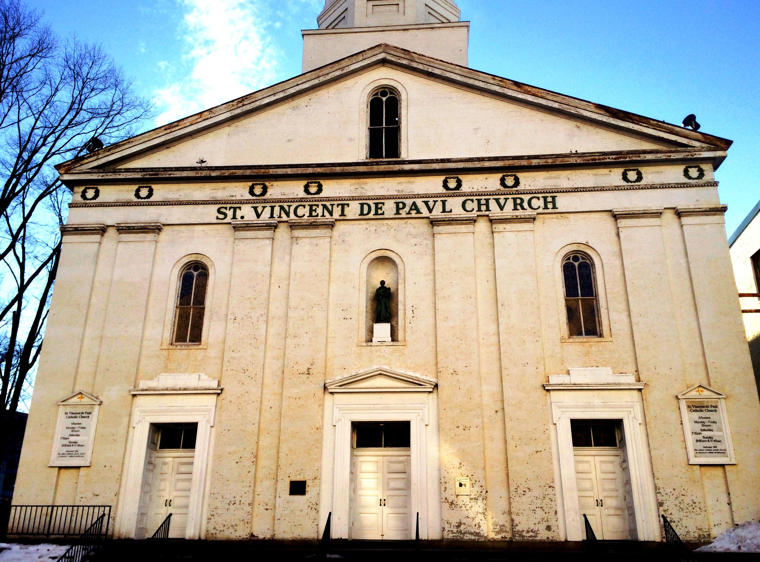 St V front facade winter 2015